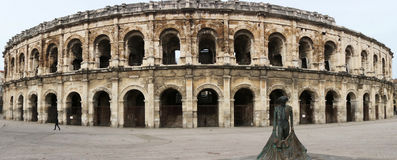 Anfiteatro romano em Nimes, Provence imagem de stock