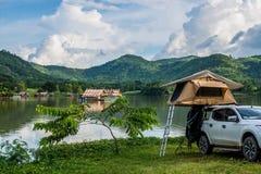 Ang Kep Nam Khao越共一个老传统房子在khao越共湖  免版税库存照片