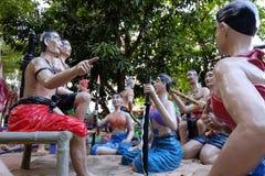 ANG-ZAPFEN, THAILAND - 9. SEPTEMBER 2018: China-Gott und die Statue stellt die Schmerz eines Sünders in der Hölle entsprechend bu stockfoto