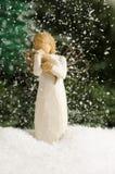 Ange dans la chute de neige Images libres de droits