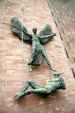 Ange Gabriel contre Lucifer Image stock