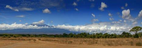 Ange large de la Tanzanie Afrique de montagne de Kilimanjaro images stock