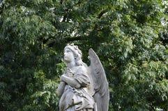 Ange regardant vers le ciel Photo libre de droits