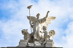 Ange sur l'opéra Zurich de toit images stock
