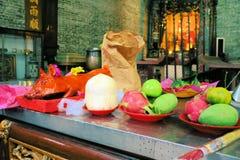 Angebote an der chinesischen Pagode für neues Jahr, Ho Chi Lizenzfreie Stockfotografie