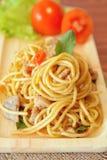 Angebratene würzige Spaghettis mit Huhn Siamesische Art Lizenzfreie Stockbilder