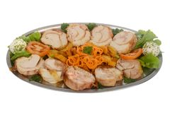 Angefüllte Hühnerbrust mit gebackenem Gemüse und Gewürzen Verziertes versorgendes Lebensmittel Stockfotos