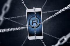 Angeketteter Smartphone mit registriertem Symbol Stockfotos