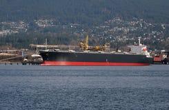 Angekoppeltes Frachtschiff lizenzfreies stockbild