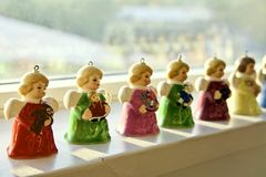 Angel Bells miniatura e Colourful dell'annata, è vita posteriore dal sole celeste su un accantonamento durante la stagione di Nat Fotografie Stock