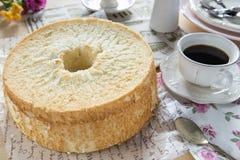 Angel Food Cake hecho en casa Foto de archivo libre de regalías