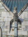 Angel Gargoyle på den Kylemore abbotskloster, Galway, Irland Royaltyfri Foto