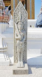 Angel Guardian apedreja a estátua em Wat Phrabuddhabat, Saraburi, tailandês imagens de stock royalty free