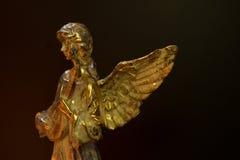 Angel Playing Stringed Instrument con alas fotos de archivo