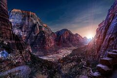 Free Angel`s Landing At Blue Hour As The Sun Sets In Zion. Royalty Free Stock Images - 169346169