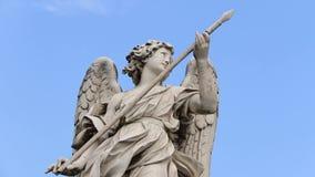Angel Statue en el Ponte Sant 'Ángel almacen de metraje de vídeo