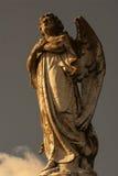 Angel Statue en nubes Fotos de archivo