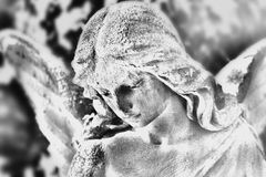 Angel statue (stylized black and white drawing)