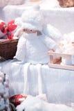 Angel Toy på julmarknaden arkivbilder