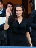 Angelina Jolie lämnar grekiska premiärministerns kontor i Athen Royaltyfri Bild