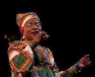 Angelique Kidjo esegue in tensione su ventottesima April Jazz Fotografie Stock Libere da Diritti