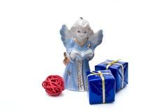 Angelo blu e contenitori di regalo Fotografia Stock Libera da Diritti