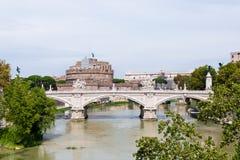 Angelo-Brücke und Schloss Stockbild