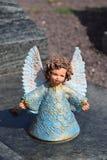 Angelo ceramico, custodicendo il cimitero di angelo, cimitero di angelo di sonno, sognante il cimitero di angelo, angelo fatto da Immagini Stock Libere da Diritti