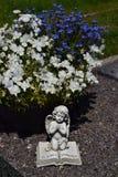 Angelo ceramico, custodicente il cimitero di angelo, Immagine Stock