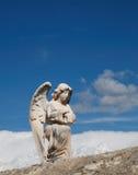 Angelo con le nubi fotografie stock libere da diritti