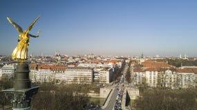 Angelo di pace che trascura panorama di Monaco di Baviera fotografia stock