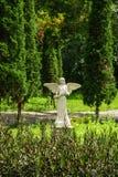 Angelo nel giardino Fotografie Stock Libere da Diritti