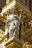 Angelo, statua sull'altare principale nella cattedrale di Zagabria Immagini Stock