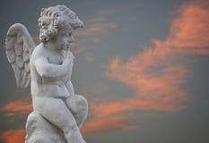 Angelo sul cielo arancione Fotografia Stock Libera da Diritti