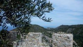 Angelocastro Korfu, beskådar norrut från vallar royaltyfria foton