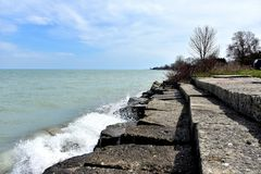 Angenäm Prarie strandvågbrytare med vågor fotografering för bildbyråer