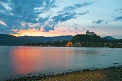 Angera και το κάστρο του Στοκ Εικόνα