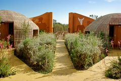 Angeredetes Buschmanndorf - Hotel in Südafrika Lizenzfreies Stockfoto