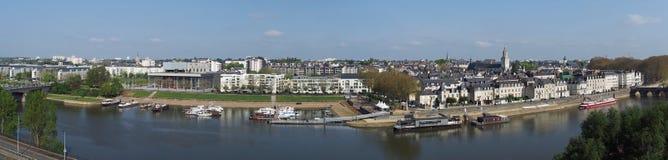 Angers, Μαίην riverbank, τον Απρίλιο του 2013, Anjou, Γαλλία Στοκ Εικόνες
