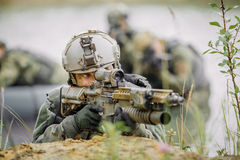 Angers under den militära operationen i vatten arkivfoto