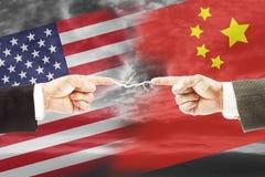 Angespannte Beziehungen zwischen Vereinigten Staaten und China Konzept von conf Lizenzfreies Stockfoto