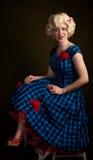 Angespannte Retro- blonde Frau Stockbilder