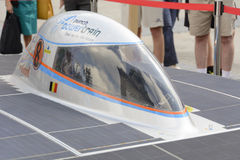 Angetriebenes Solarauto Antwerpen stockfotos
