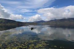 Anggi sjö på arfakberget Papua Indonesien arkivfoton