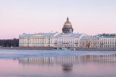Angielski bulwar i świętego Isaacs katedra, St Petersburg Zdjęcia Royalty Free