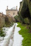 Angielski dom na wsi w śniegu Zdjęcia Stock