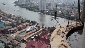 ANGKOK TAILANDIA - 11 DE ABRIL: El templo nombra a Wat Yannawa en área de la ciudad de Bangkok almacen de video