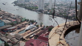 ANGKOK THAILAND - APRIL 11: Templet namnger Wat Yannawa i Bangkok stadsområde stock video