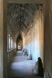 angkor在墙壁wat里面的柬埔寨走廊 库存图片