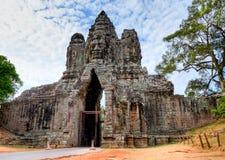 angkor柬埔寨门hdr wat 免版税库存图片